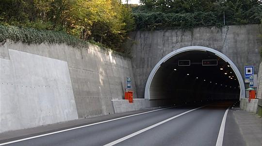 A8 Tunnel Gesperrt
